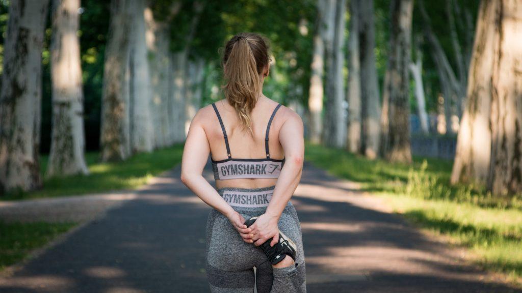 痩せ型さんにも効果ありの簡単バストアップ筋トレはコレ